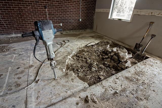 光回線の撤去工事はいくらかかる?原状復帰義務の対応法も解説